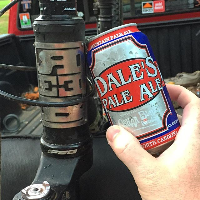 Livin' the AmeriCAN dream at the @camp.sorba Tuesday Night Ride. #reebme #campsorba #oskarblues